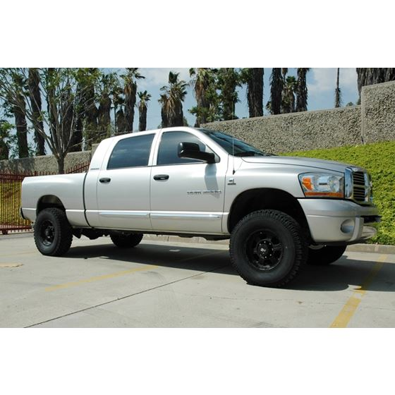 03 08 RAM 1500 2500 8 Lug 2WD 35in Lift Spindle Kit Cast 2